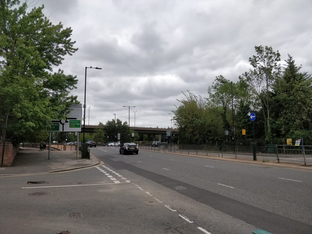 Insalubrious area next to The Bridge Hotel in Greenford