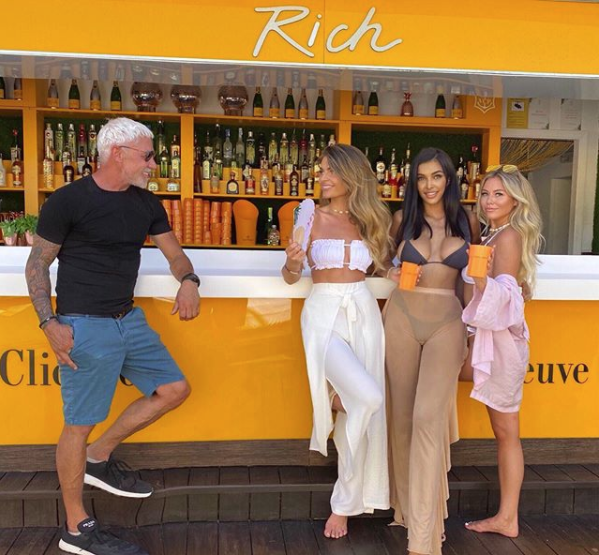 Wayne Lineker with Instagram type women